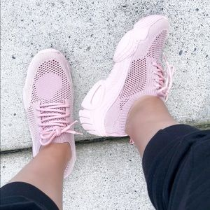 Soft Breathable Sneaker Hollow Sports